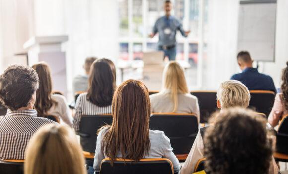 Szkolenia wyjazdowe czyli jak połączyć integrację z nauką?